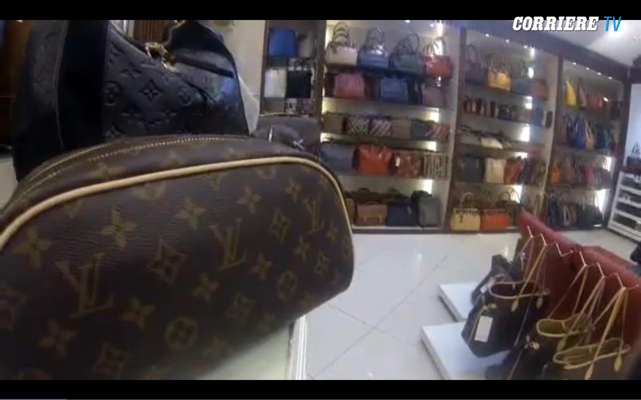 In Turchia tra le boutique di falsi. «Business illegale ma